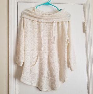 🌻B1G2📚 junior's cowlneck sweater
